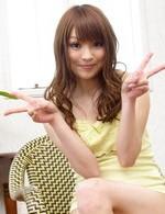潮吹き美少女永沢まおみちゃんが、誘惑オナニー。感じすぎて、「イク!イク!出ちゃう」と、一気に潮を大噴射!所構わず潮吹き!