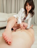 Ayumi Iwasa Asian strokes cock and enjoys having peach licked