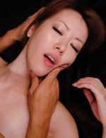 黒のマイクロビキニ姿で登場した高身長女教師桜井千里ちゃんが登場。強制イラマチオから顔騎責め。一気に3P乱交ファック!
